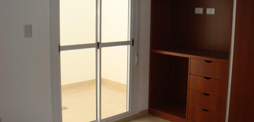 Alquilo depto un dormitorio con balcón al frente