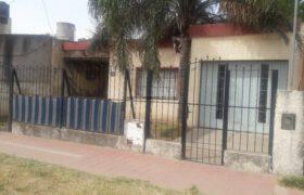 Vendo casa 3 dormitorios barrio Alberdi