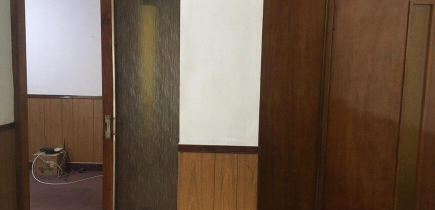 Se alquila oficina dentro de galería