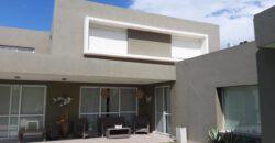 Vendo casa de categoría en country San Esteban