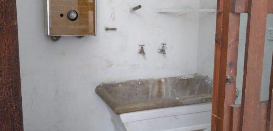 Se alquila casa de dos dormitorios – Caseros 349