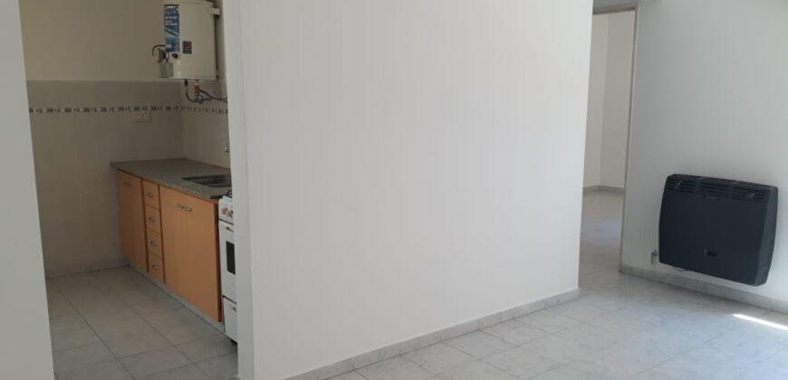 SE ALQUILA DEPARTAMENTO DE UN DORMITORIO – FOTHERINGHAM 736